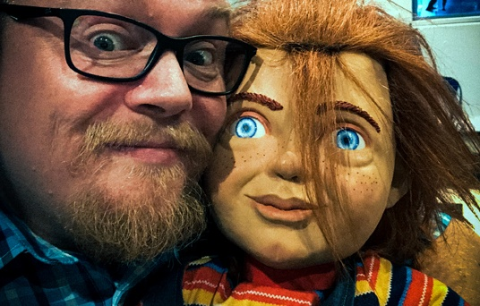 Two Shot of Storyboard artist Raymond K. Johansen and Chucky on the Norwegian premiere of the remake of Childs Play from MGM.
